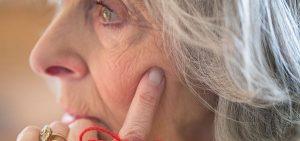 Nahaufnahme einer Seniorin
